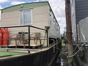 Static Houseboat with Potential - Barge 78